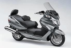 """Scooter classe """"E"""" 600 E 650 CC -  1 Giorno € 65,00   -    3 Giorni € 165,00   -   7 Giorni € 350,00   -   Ogni giorno successivo € 45,00   -    Franchigie come categoria D."""