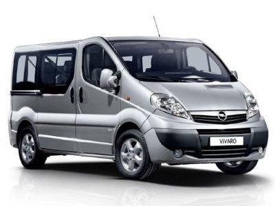 Mini van 9 posti Opel o similari, 1 Giorno € 110,00, 3 Giorni € 300,00, 7 Giorni € 665,00. Per ogni giorno successivo € 100,00. I prezzi indicati per questo mezzo, si intendono con la sola Assicurazione R.C.A. con franchigie.